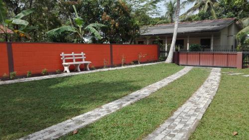 Eknara Holiday Bangalow - Gampaha