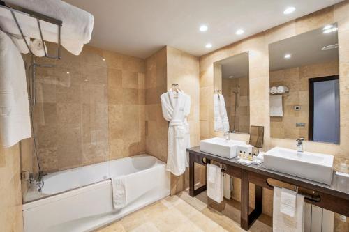 Classic Double Room with Spa Access Hotel La Caminera Club de Campo 4