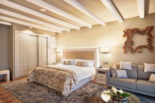 Premium Double Room with Spa Access Hotel La Caminera Club de Campo 3