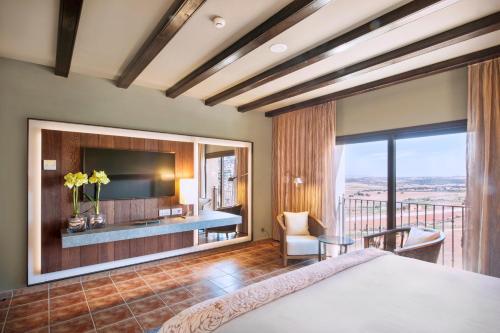 Deluxe Double Room with Spa Access Hotel La Caminera Club de Campo 2
