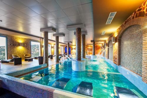 Classic Double Room with Spa Access Hotel La Caminera Club de Campo 5