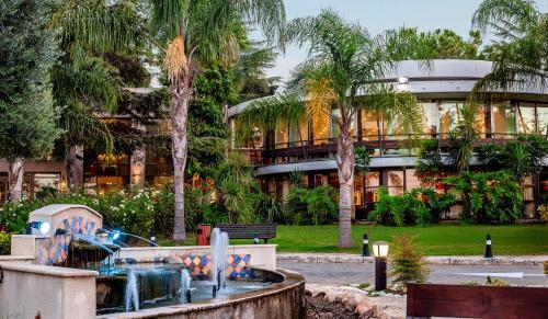 . Hacienda Forest View Hotel