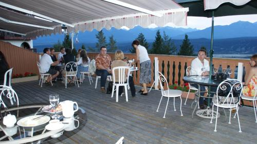Rocky Mountain Springs Lodge And Citadella Restaurant - Photo 5 of 56