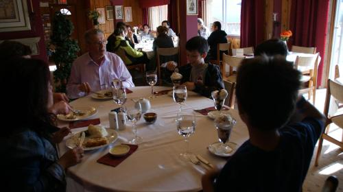 Rocky Mountain Springs Lodge And Citadella Restaurant - Photo 6 of 56