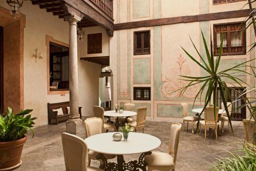 Habitación Individual Básica Hotel Casa 1800 Granada 40