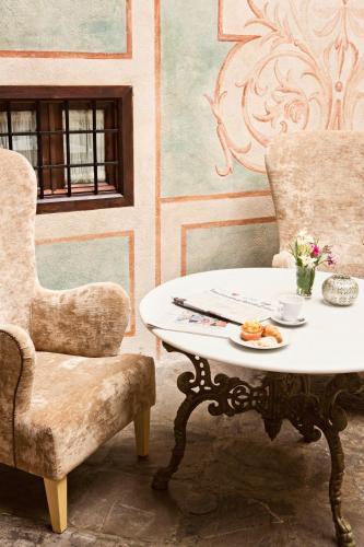 Habitación Individual Básica Hotel Casa 1800 Granada 21