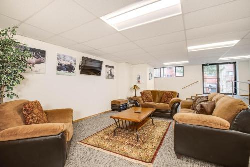 Pine Ridge Condominiums - Breckenridge, CO 80424