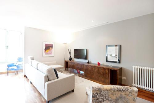 You Stylish City Centre Apartments photo 31