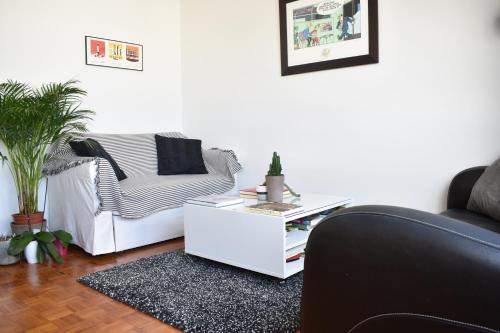 Top Floor 1 Bedroom Apartment near Gare de Lyon