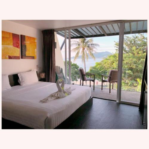 Beachfront 2-bedroom condo with panoramic seaview Beachfront 2-bedroom condo with panoramic seaview