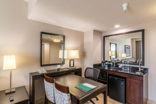 Embassy Suites Palmdale - Palmdale, CA CA 93551