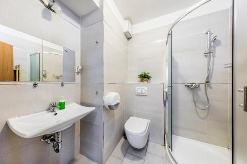 Enjoy Budapest Corvinext Apartment Hotel photo 36