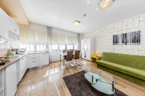 Enjoy Budapest Corvinext Apartment Hotel photo 57