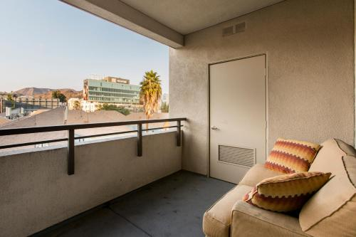 Modern 2br/2ba In The Heart Of Hollywood - Los Angeles, CA 90028