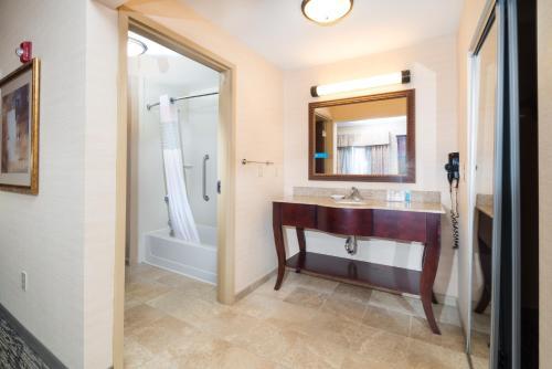 Hampton Inn Suites Greensburg