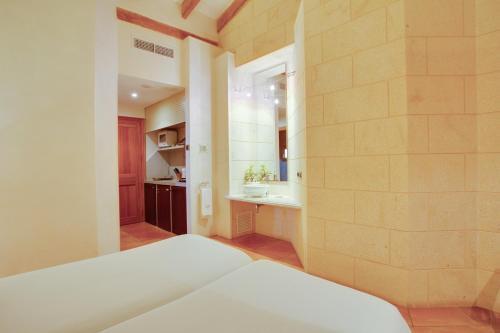 Estudio Junior tipo suite (2 adultos + 1 niño) Casal Santa Eulalia 3