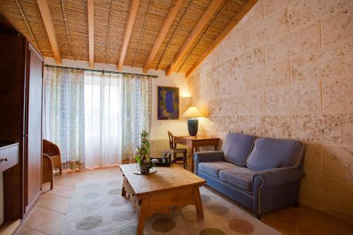 Habitación Doble Superior con terraza Casal Santa Eulalia 4