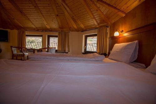 Hotel Alpine,