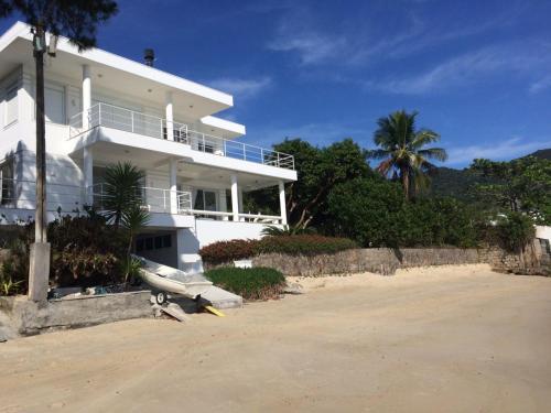 casa frente do mar