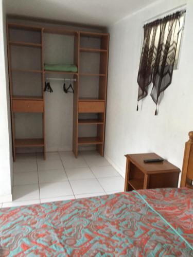 hotel p riph rique h tel 28 avenue de fontainebleau 94270 le kremlin bic tre adresse horaire. Black Bedroom Furniture Sets. Home Design Ideas