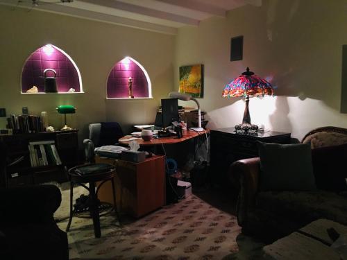 Mediterranean Edmonton B&B By Elevate Rooms - Photo 6 of 51