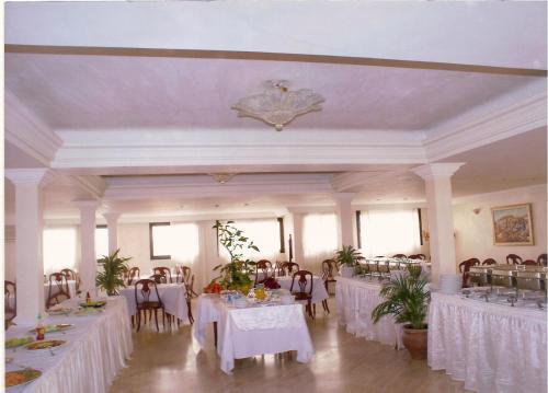 HotelSahara Line Hotel