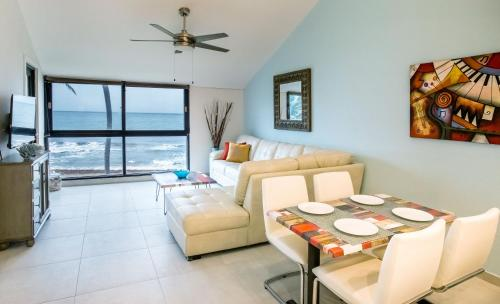 BV103 - Amazing Oceanfront Condo steps from beach