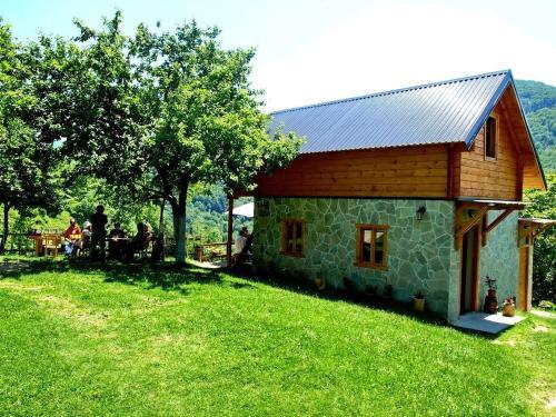 . Kraljska koliba - Kralje's Cottage
