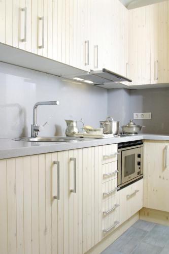 ClassBedroom Apartments I photo 2