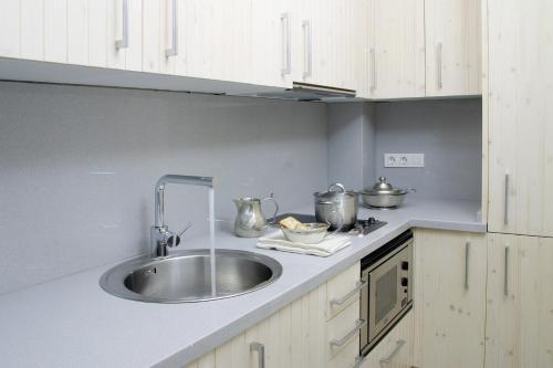 ClassBedroom Apartments I photo 5