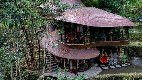 Banjar Buang, Desa Sayan, Ubud, Bali 80571, Indonesia.