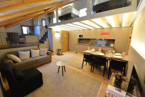 . Le Reve Charmant Apartments