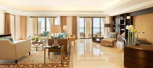 Golden Mile, The Palm Jumeirah, Dubai, UAE.