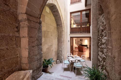 Hotel Ramón Llull House