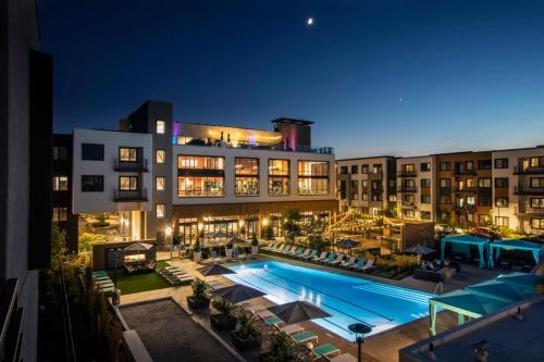 Global Luxury Suites in Menlo Park - Apartment