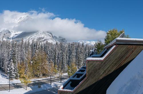 Inns of Banff - Banff, AB T1L 1H8