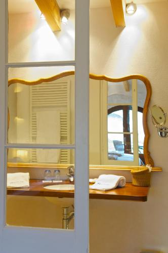 Double or Twin Room with Terrace Alcaufar Vell Hotel Rural & Restaurant 13
