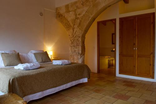 Double or Twin Room with Terrace Alcaufar Vell Hotel Rural & Restaurant 15