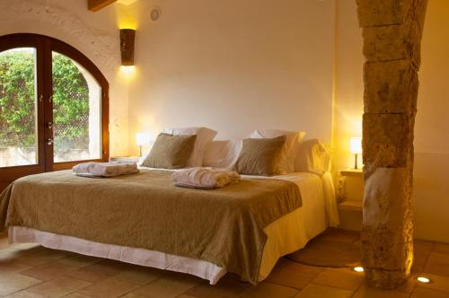 Double or Twin Room with Terrace Alcaufar Vell Hotel Rural & Restaurant 16
