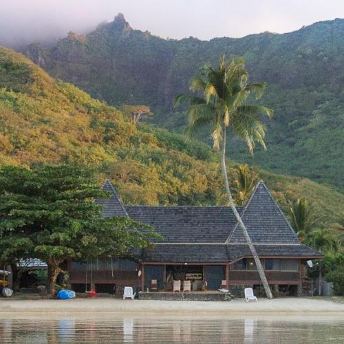 Chez Jay Moorea Beach House