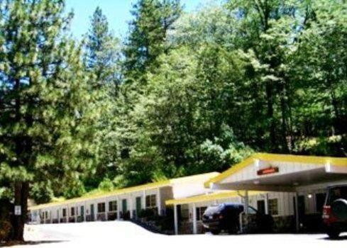 Golden Chain Motel