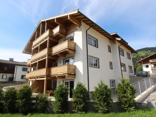 Holiday home Residenz Edelalm Appartement 4 - Apartment - Feuring