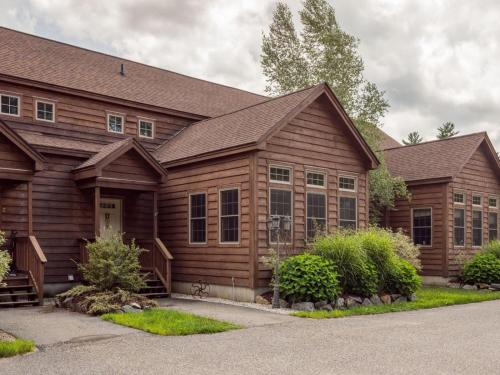 Vacation: Twitchell Brook Townhouse Unit 3 - Bethel, ME 04217