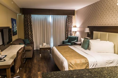 Best Western Plus St. John's Airport Hotel And Suites - Photo 6 of 109