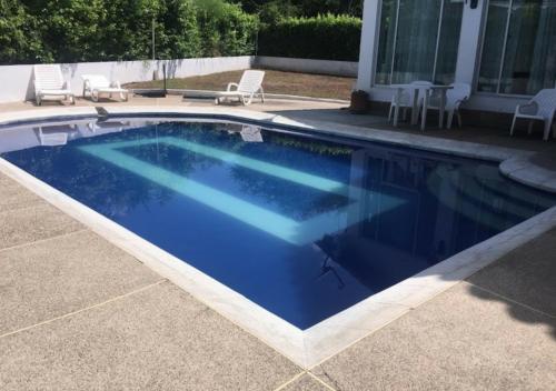 . Casa Quinta con piscina privada Girardot
