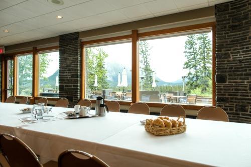 The Juniper Hotel & Bistro - Banff, AB T1L 1E1