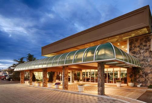 Surestay Plus Hotel Brandywine Valley By Best Western - Wilmington, DE 19803