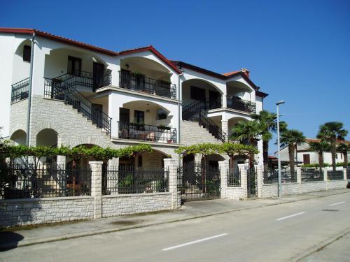 . Apartments Modrušan