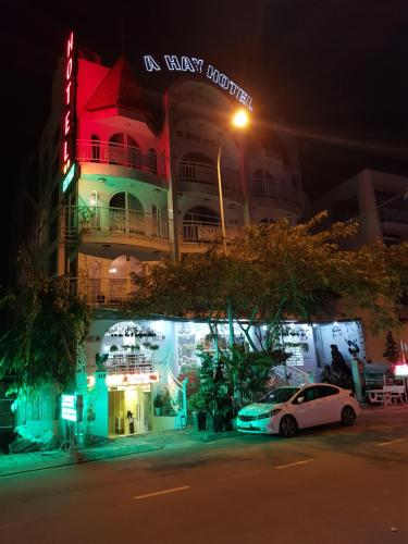 CATHAY HOTEL, Quận 9
