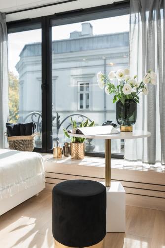 White Room Pilsudskiego 1